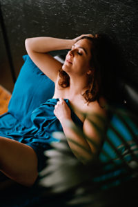 glamorous boudoir photo