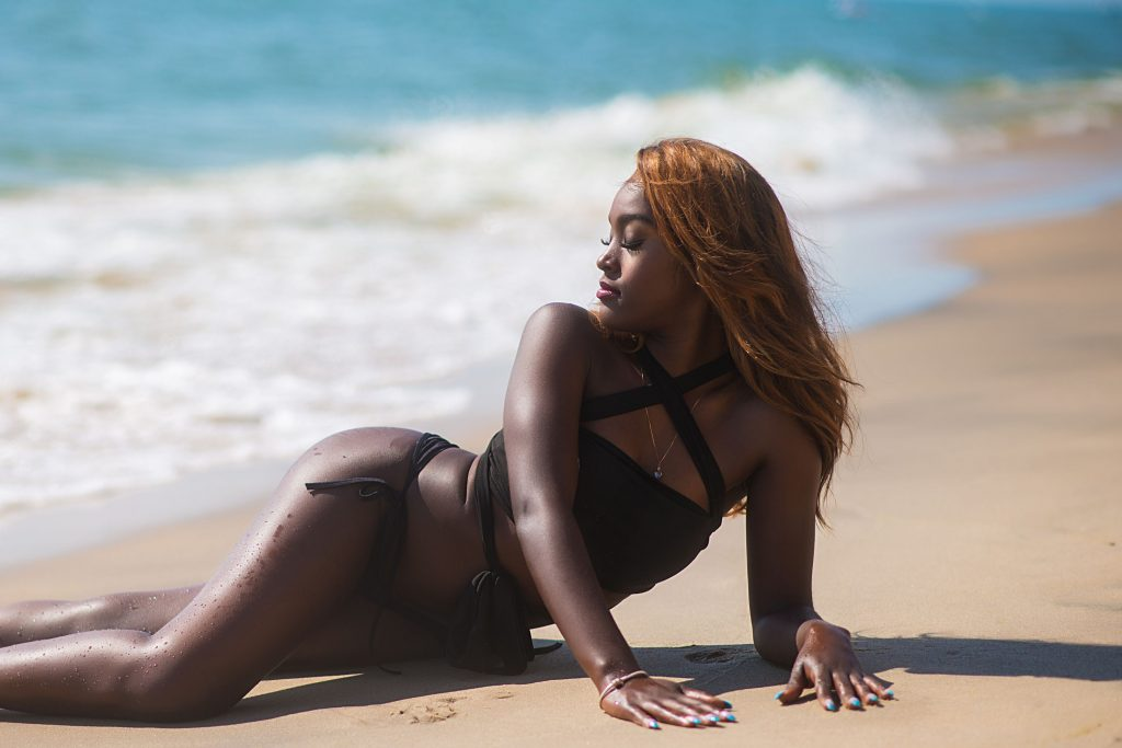 Boudoir Michigan Photography at Lake Michigan (6)